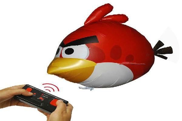 Dirigibles de Angry Birds a radio control ponen el ambiente entre sus fans