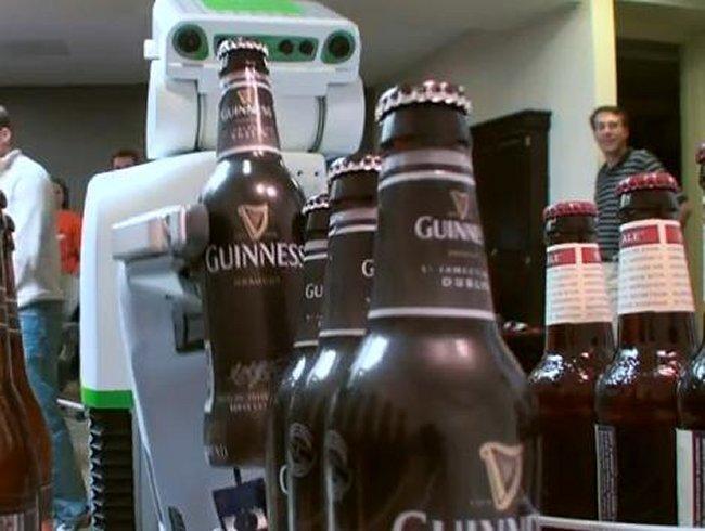 PR2 El Robot Que Te Sirve La Cerveza Propulsado por Kinect (Vídeo)