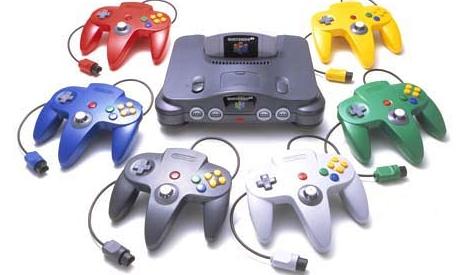 Nintendo_64_con_distintos_colores_de_controles