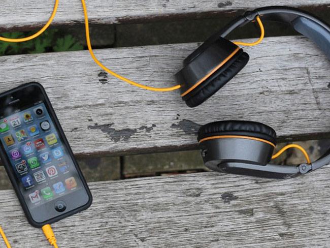OnBeat Solar Los Auriculares Que Cargan La Batería De Tu iPhone Mientras Caminas