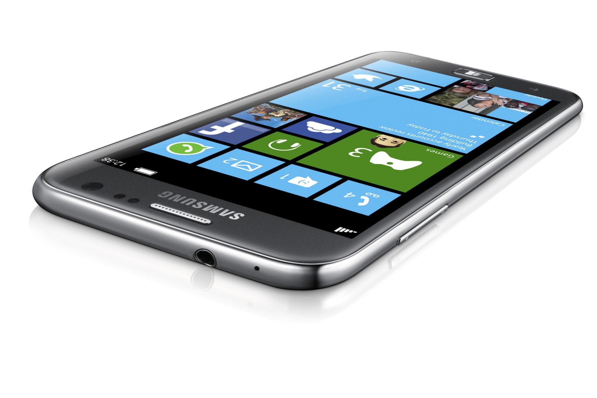 Microsoft ofrece 1 billón a Samsung para seguir haciendo telefonos con Windows Phone
