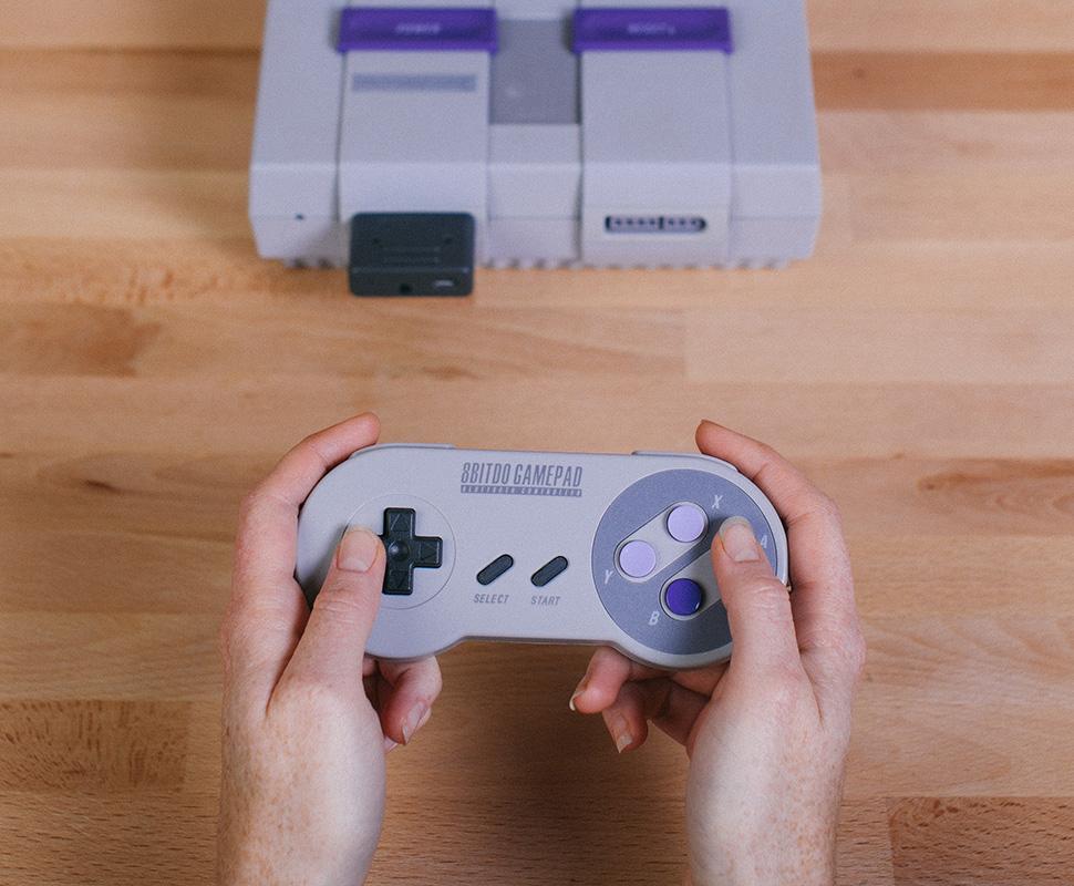 Super Nintendo se moderniza con controles inalámbricos
